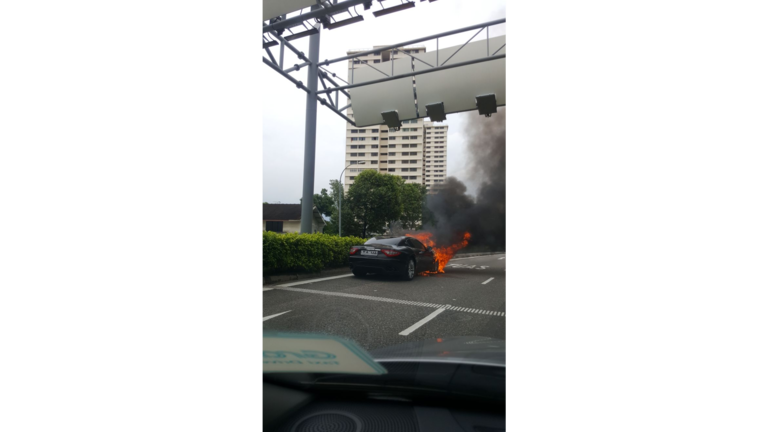 20171120-sg-car-fire-1.png