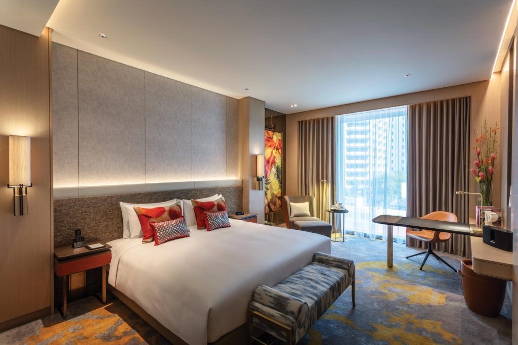 Sofitel-Singapore-City-Centre-Luxury-Room-12.jpg